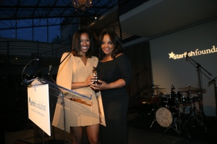 Starfish scholar alumna and mentor Sheba Turk with her mentor Kim Bondy, Bright STAR Award winner